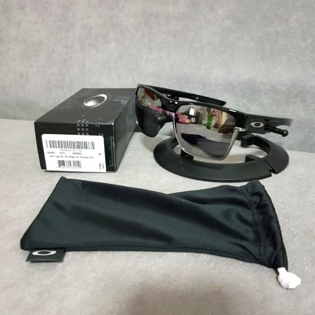 70cbc0c647 Oakley twoface xl polished black frame chrome iridium lens