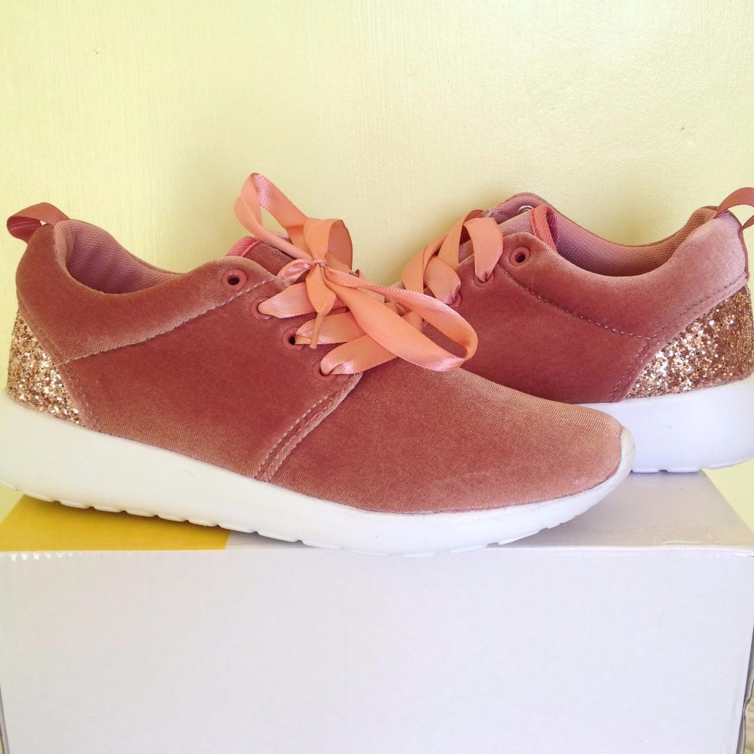 Pink Velvet shoes ♥
