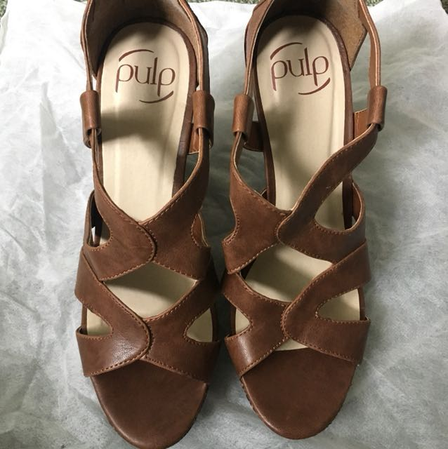 Pulp brown wedges size 8