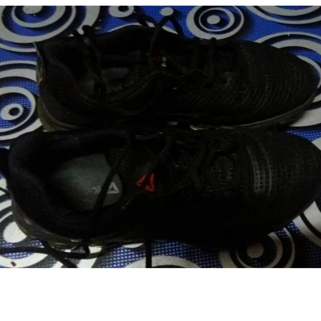 607d5c2d7b7 Reebok Hiking Shoes (Second Hand Ori)