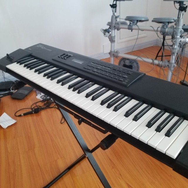 Roland XP10 Synth