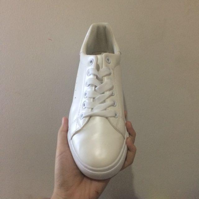 sepatu putih nevada e9f070854c