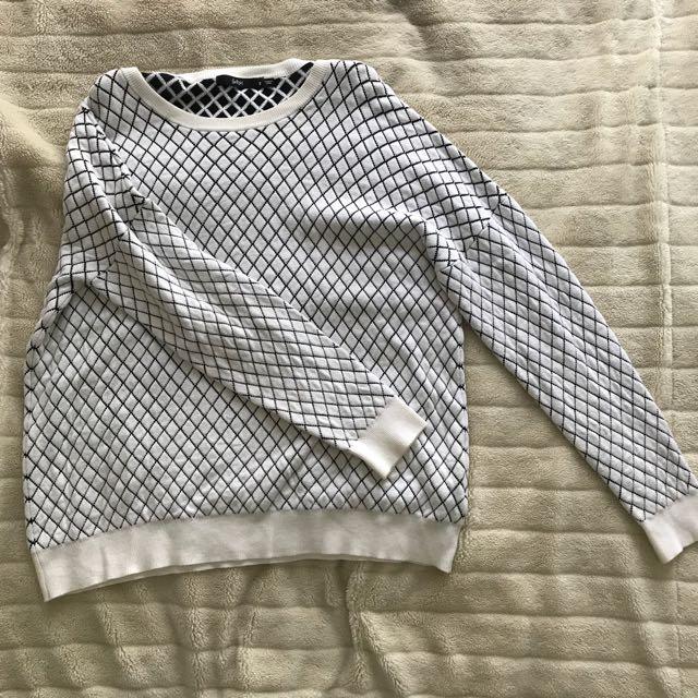 SPORTS GIRL white checkered sweater jumper