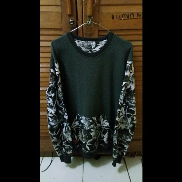 Sweater Deadseventies Authentic Size XL Fit To L
