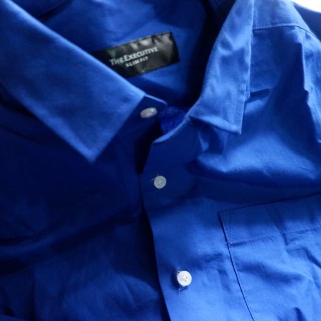 The executive blue shirt slim fit (kemeja panjang)