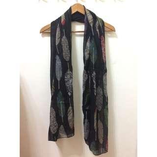 🚚 羽毛女性圍巾