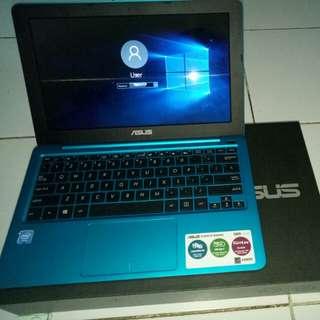 SALEEE Notebook ASUS E202S series (11,6 inch) RAM 2GB