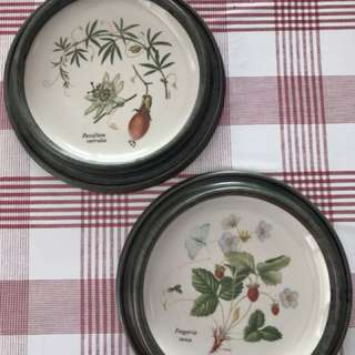 2 framed hanging wall plates