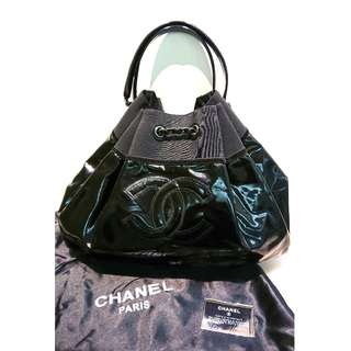 Chanel black patent leather cabas tote