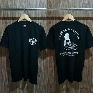 Tshirt deus premium hitam