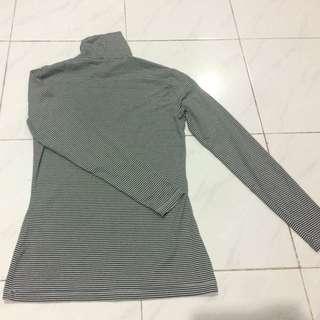 Size M UNIQLO Turtleneck Heattech Long John Thermal Wear