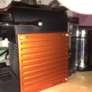 Nespresso pixie 連奶泡機