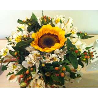 """PREORDER: Bouquet """"Sunflower for my Daughter"""""""