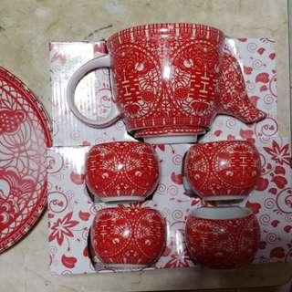 敬茶杯套裝95 % new (結婚用品)