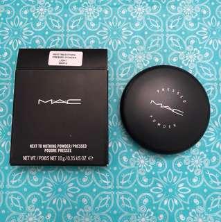 BNIB MAC NEXT TO NOTHING PRESSED POWDER LIGHT AUTHENTIC
