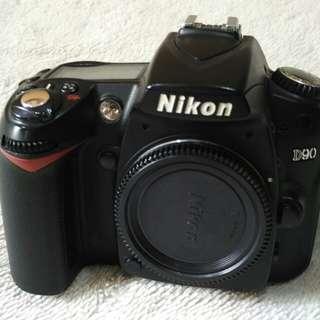 Nikon D90 body SC 16k.