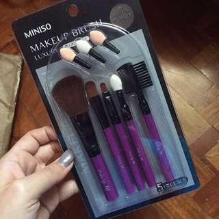 REPRICED Make up brush set