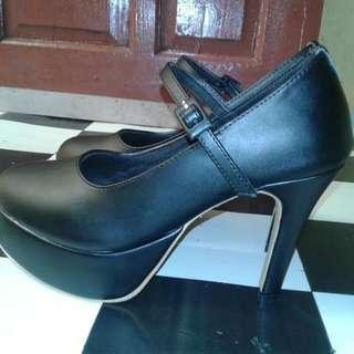High Heels Size 37