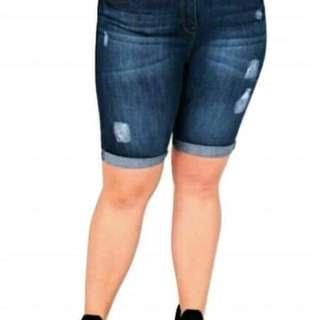 Big size tattered short