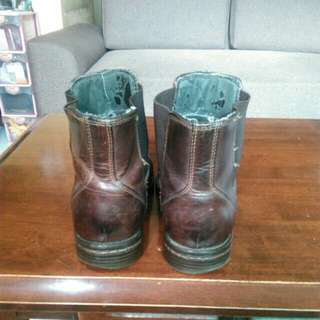 Bass leather boots