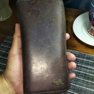 llong wallet