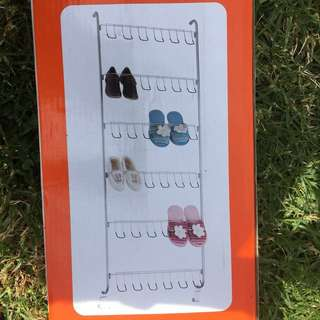 Hang over door shoe rack