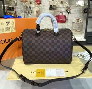 Onhand Luxury Bags and other Itens