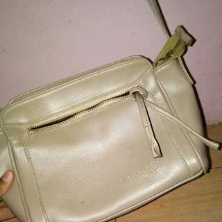Tas slingbag mayoutfit