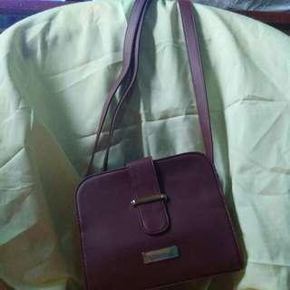 Gabby sling bag