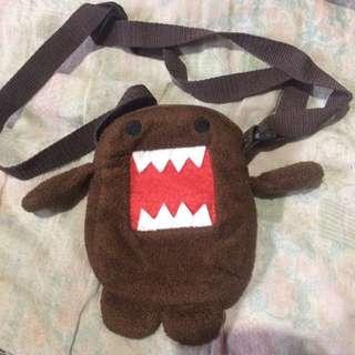 Domo sling bag