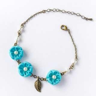 Turquoise flower jewelry bracelets, dainty flower bracelet, delicate flower bracelet, victorian turquoise bracelet, dainty turquoise