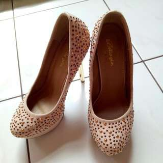 Heels Bellagio Size 36 : PRELOVED