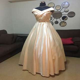 Pale yellow ballgown for rent only 😊