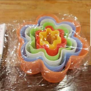 New 5pcs Set Cutter / Cake Decorating Mold (Floral)
