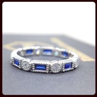 18K 藍寶併白鑽戒指