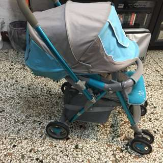 Combi 嬰兒推車