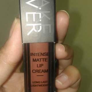 Make Over Lip Cream 11 Pompous