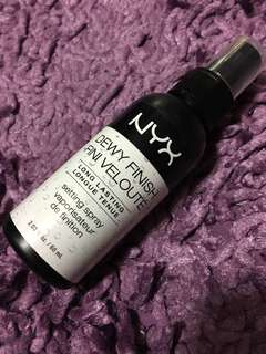 NYX Dewy Finish Setting Spray