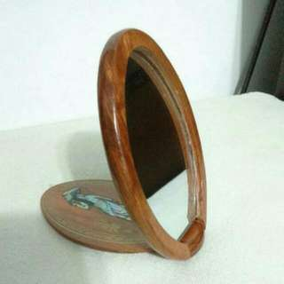 Mother Of Pearl Foldable Compact Mirror - Lacquer Ware