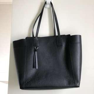 Zara's oversized bag
