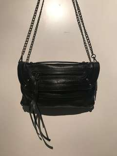 Black crossbody chain bag