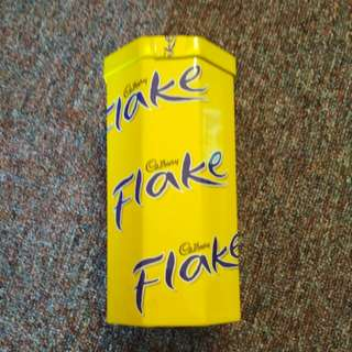 Cadbury Flake tin