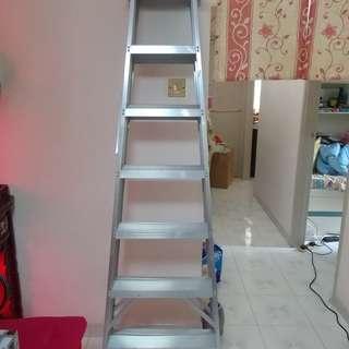現售$250雙面六級鋁梯