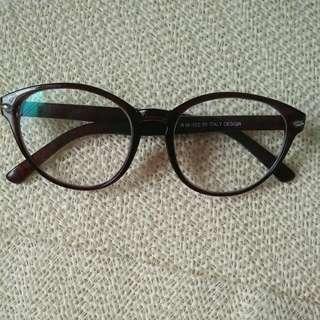 Kacamata Gaya Coklat