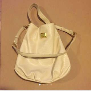 Marc By Marc Jacobs米白色仿皮袋 Faux Leather handbag