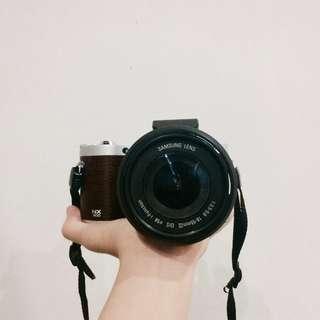 Compact Camera- Samsung NX300