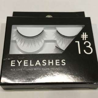 Olive Young lashes in #13