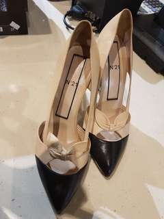 Authentic heels no 21