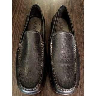 (SALE) Kenneth Cole Unlisted Soft Leather Loafer Slip-On