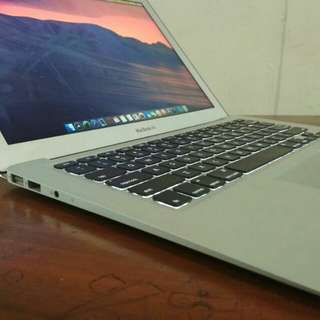 Macbook air i7 ssd 256gb super tipis